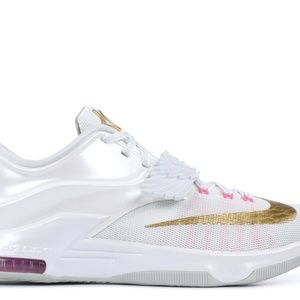 KD 7 Aunt Pearls   New in Box